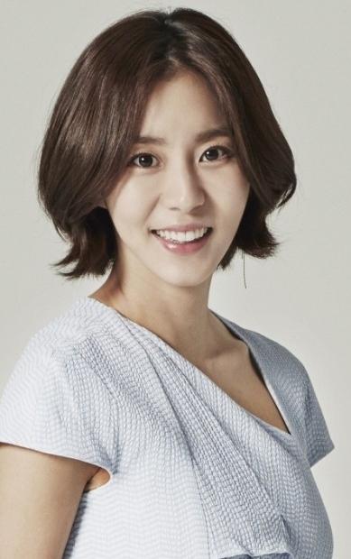 韓国女優 ユイ
